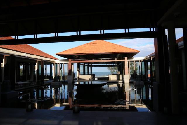 lobby of Banyan Tree Lang Co
