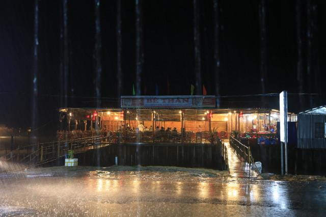 enjoyed dinner at Be Than restaurant, under heavy rain